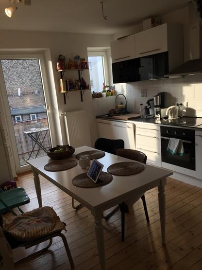 2 zimmer wohnung im sch nsten jungbusch abzugeben wohnung in mannheim jungbusch. Black Bedroom Furniture Sets. Home Design Ideas