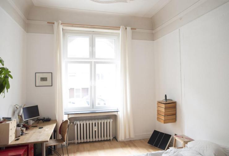 17m2 altbau zimmer in famili rer und sympathischer 6er wg wg essen s d. Black Bedroom Furniture Sets. Home Design Ideas
