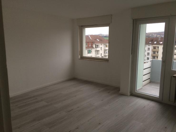 neu renovierte 3 zimmer wohnung mit einbauk che in zentraler lage in der pforzheimer nordstadt. Black Bedroom Furniture Sets. Home Design Ideas