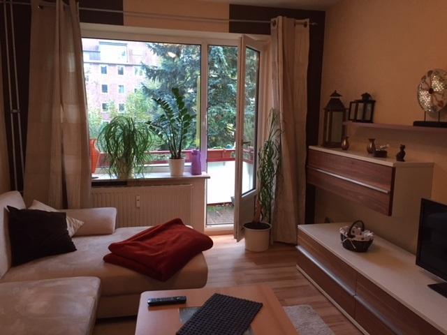 Suche zwischenmieterin f r 2 zimmer wohnung mit balkon for Suche wohnung in