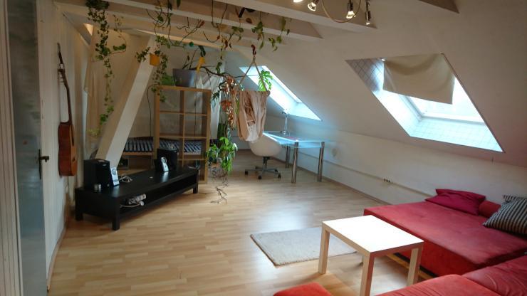 sch ne dachgeschosswohnung mobliert zur zwischenmiete bis als wg wohnung in m nchen. Black Bedroom Furniture Sets. Home Design Ideas
