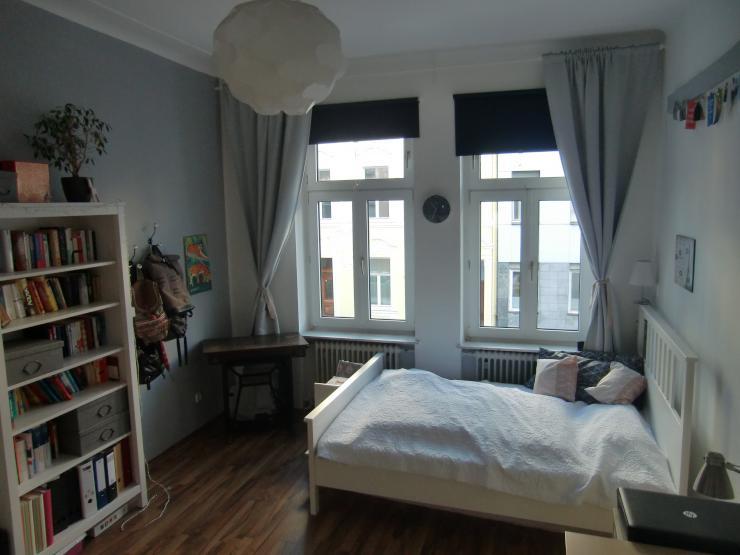 m bliertes helles 17qm zimmer in zentraler altbauwohnung. Black Bedroom Furniture Sets. Home Design Ideas
