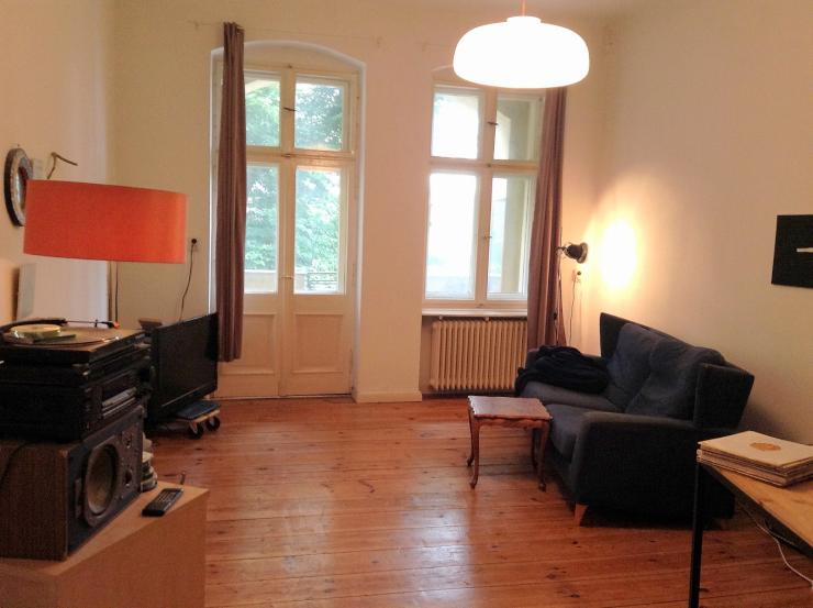2 zimmer k che bad wohnung in berlin neuk lln. Black Bedroom Furniture Sets. Home Design Ideas