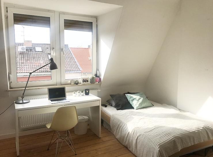 helles gem tliches zimmer in der besten wg wohngemeinschaft in mannheim neckarstadt. Black Bedroom Furniture Sets. Home Design Ideas