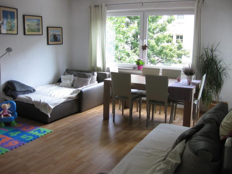 top geschnittene wohnung direkt am aachener weiher. Black Bedroom Furniture Sets. Home Design Ideas