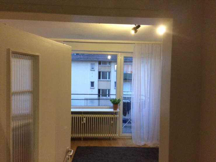 1 zimmer wohnung inkl balkon zentral und ruhig. Black Bedroom Furniture Sets. Home Design Ideas