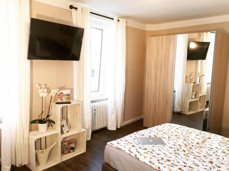 vollausgestattetes m bliertes zimmer 15qm penthousewg erstbezug top lage im nordend. Black Bedroom Furniture Sets. Home Design Ideas