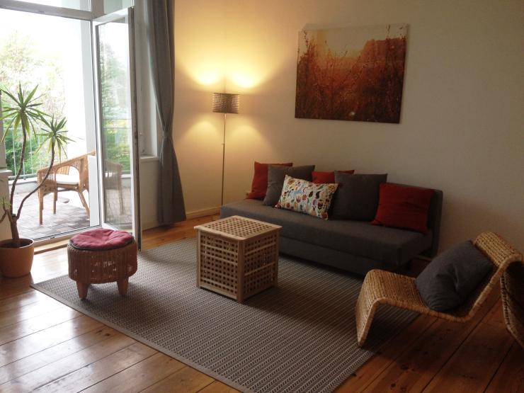 furnished apartment 65m2 wohnung in berlin karlshorst. Black Bedroom Furniture Sets. Home Design Ideas