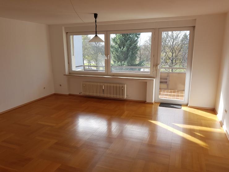 sch ne 4 zimmer wohnung 92 4 qm mit balkon und garage f r 930 km in ulm b fingen wohnung. Black Bedroom Furniture Sets. Home Design Ideas