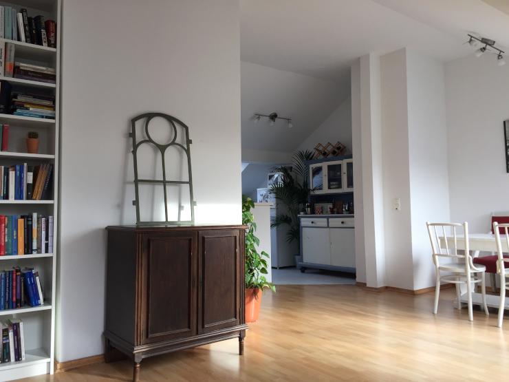 sch ne 3 zimmer maisonette wohnung mit gro em balkon im herzen kreuzbergs zur untermiete. Black Bedroom Furniture Sets. Home Design Ideas