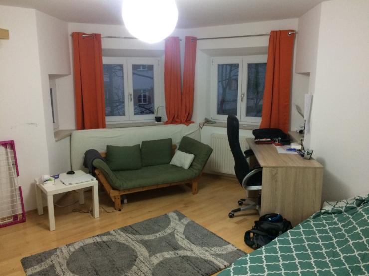 m beliertes 18qm zimmer in netter 3er wg zwischenmiete f r 1 monat zimmer m bliert augsburg. Black Bedroom Furniture Sets. Home Design Ideas