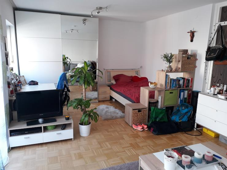 sehr gro es helles zimmer in unkomplizierter und herzlicher 3 er wg wg zimmer in m nchen. Black Bedroom Furniture Sets. Home Design Ideas
