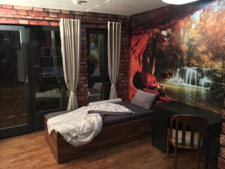 erstbezug 499 euro all inclusive m bliertes singleappartement mit balkon in 45143 essen. Black Bedroom Furniture Sets. Home Design Ideas