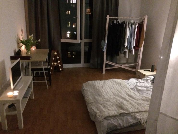ein zimmer wohnung m bliert zur zwischenmiete 1 zimmer wohnung in kiel ravensberg. Black Bedroom Furniture Sets. Home Design Ideas