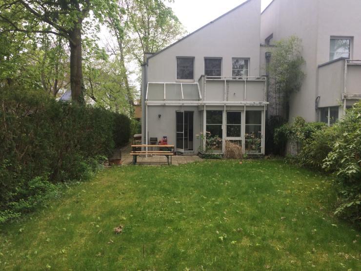 kleines zimmer in 140m2 haus mit garten nahe dem pohlesee zimmer m bliert berlin zehlendorf. Black Bedroom Furniture Sets. Home Design Ideas