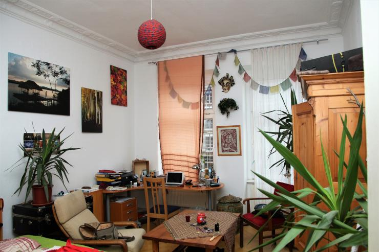 wundersch nes zimmer in altbauwohnung 20 quadratmeter. Black Bedroom Furniture Sets. Home Design Ideas