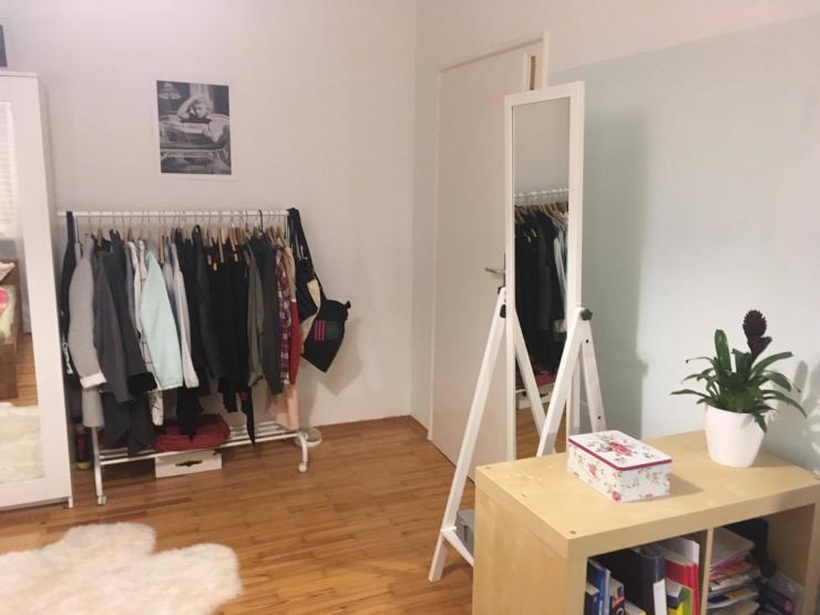 sch nes zimmer zur zwischenmiete 1 jahr wg in regensburg m bliert regensburg kasernenviertel. Black Bedroom Furniture Sets. Home Design Ideas