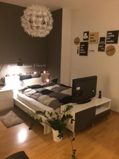 m bliertes zimmer 22qm im neubaugebiet striesen niegelnagelneues haus wg zimmer in dresden. Black Bedroom Furniture Sets. Home Design Ideas