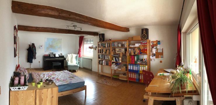 sch nes 33qm zimmer mit balkonzugang wg zimmer in marburg c lbe. Black Bedroom Furniture Sets. Home Design Ideas