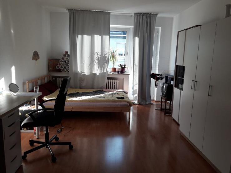 voll m blierte gem tliche wohnung f r 7 monate zu vermieten 1 zimmer wohnung in duisburg. Black Bedroom Furniture Sets. Home Design Ideas