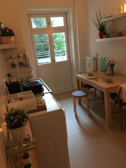 unm biliertes zimmer an der grenze zu prenzlauer berg suche wg berlin pankow. Black Bedroom Furniture Sets. Home Design Ideas