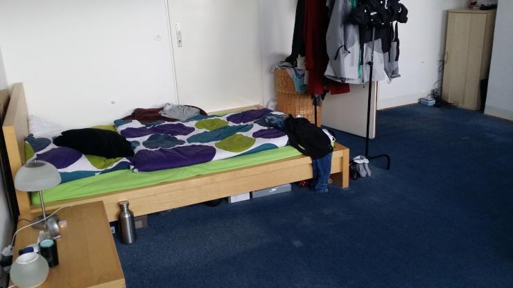 zimmer mit tollem ausblick in unmittelbarer unin he wohngemeinschaft in karlsruhe oststadt. Black Bedroom Furniture Sets. Home Design Ideas