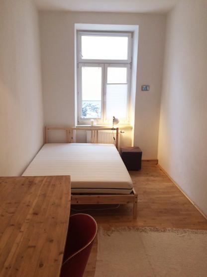 m bliertes 13qm zimmer in maxvorstadt wg m nchen. Black Bedroom Furniture Sets. Home Design Ideas