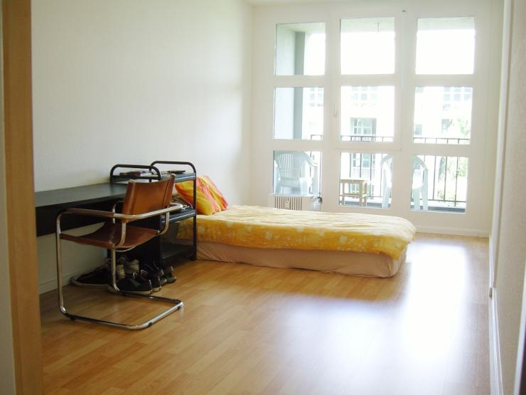 Checkpoint Charlie 16 M2 237 Sq Ft Möbliert Zimmer Furnished
