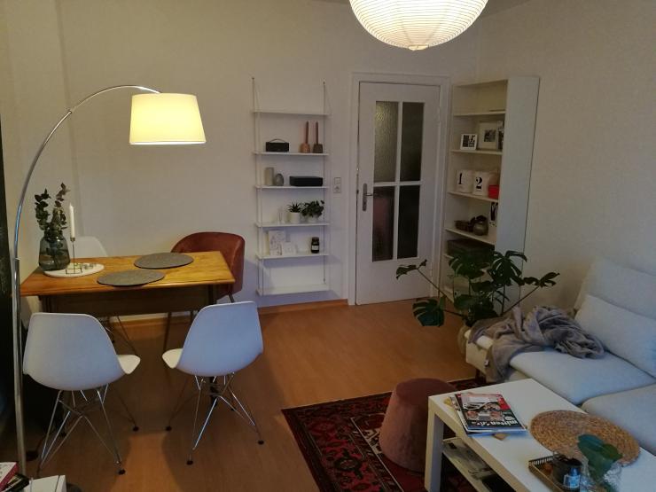 sch ne helle 2 zimmer wohnung in toller lage im viertel frei ab wohnung in bremen. Black Bedroom Furniture Sets. Home Design Ideas