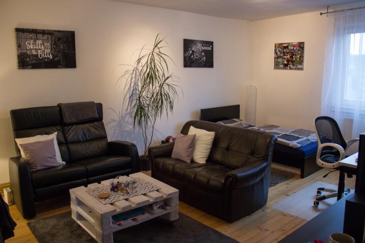 m bliertes zimmer zur zwischenmiete in top lage wg. Black Bedroom Furniture Sets. Home Design Ideas