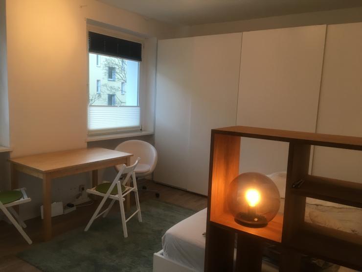 s e kleine wohnung mit allem was man braucht 1 zimmer wohnung in berlin wilmersdorf. Black Bedroom Furniture Sets. Home Design Ideas