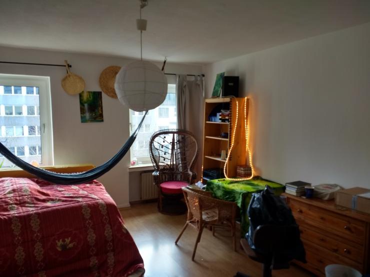 m bliertes zimmer in hansaring f r januar. Black Bedroom Furniture Sets. Home Design Ideas