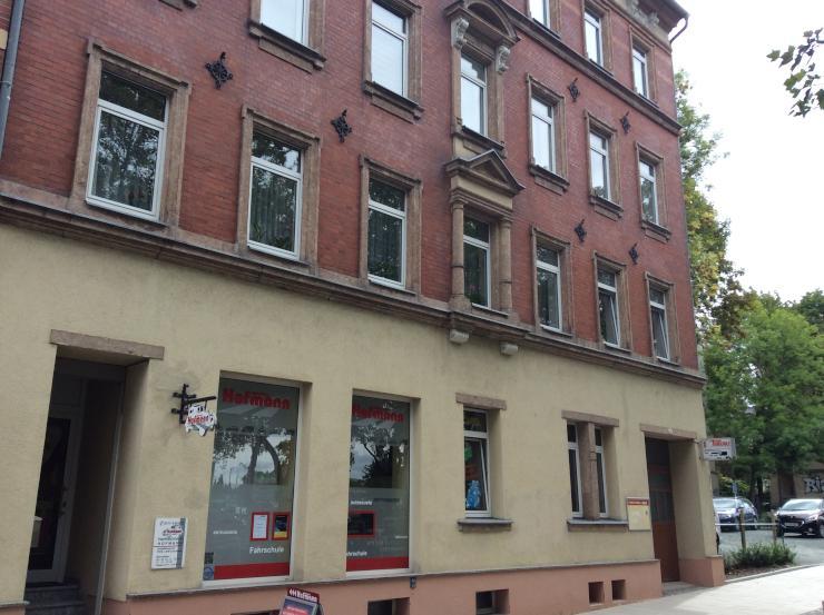 wg wohnung m einbauk che und balkon wohnung in chemnitz unicampusviertel. Black Bedroom Furniture Sets. Home Design Ideas