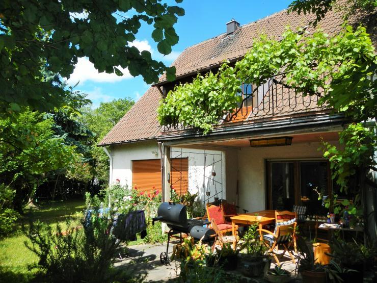 14qm zimmer in netter 7er wg haus mit gro em garten und terrasse suche wg ludwigsburg eglosheim. Black Bedroom Furniture Sets. Home Design Ideas