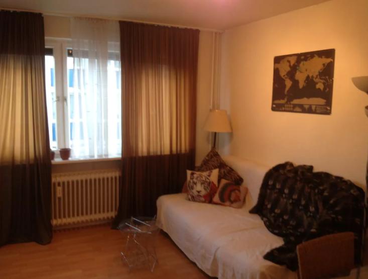 2 zimmer wohnung in bornheim nur f r 2 wochen im m rz wohnung in frankfurt am main bornheim. Black Bedroom Furniture Sets. Home Design Ideas