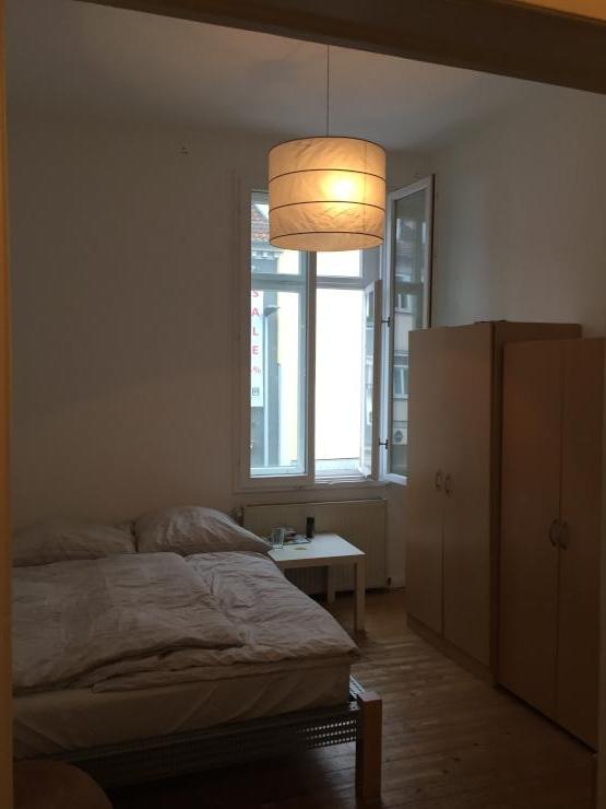 gem tliches zimmer in altbauwohnung wohngemeinschaften in coburg. Black Bedroom Furniture Sets. Home Design Ideas