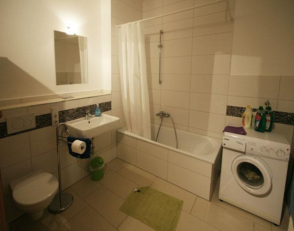 hinterhaus 4 zkb und g ste wc mit k che wohnung in bielefeld innenstadt. Black Bedroom Furniture Sets. Home Design Ideas