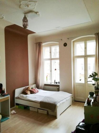 2 sch ne zimmer wg zimmer mit balkon in sch ner altbauwohnung wg suche berlin tempelhof. Black Bedroom Furniture Sets. Home Design Ideas