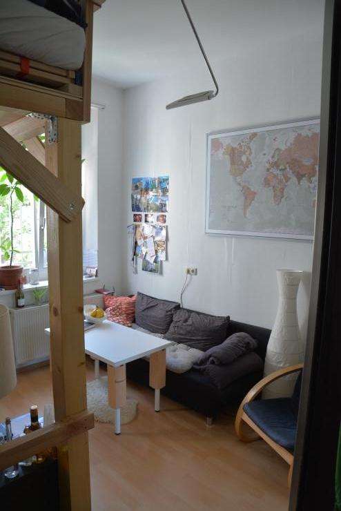 m blierte 16qm gro es zimmer sucht zwischenmieter in wg zimmer in regensburg innenstadt. Black Bedroom Furniture Sets. Home Design Ideas