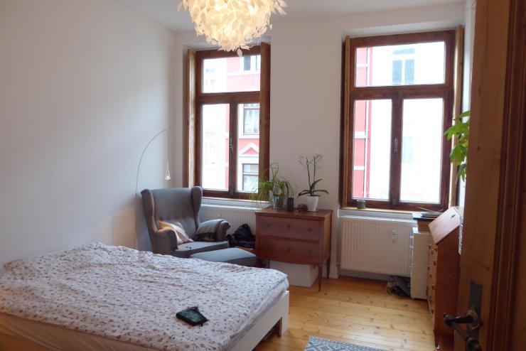 sch nes wg zimmer in liebenswerter 3er wg inmitten der. Black Bedroom Furniture Sets. Home Design Ideas
