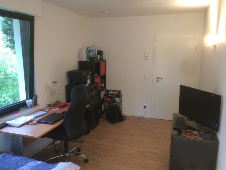zimmer in 7er wg eigenes haus wg zimmer in osnabr ck hellern. Black Bedroom Furniture Sets. Home Design Ideas