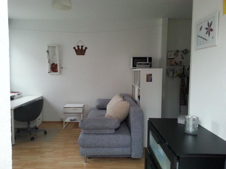 freundliche zwischenmieterin gesucht 1 zimmer wohnung in frankfurt am main heddernheim. Black Bedroom Furniture Sets. Home Design Ideas