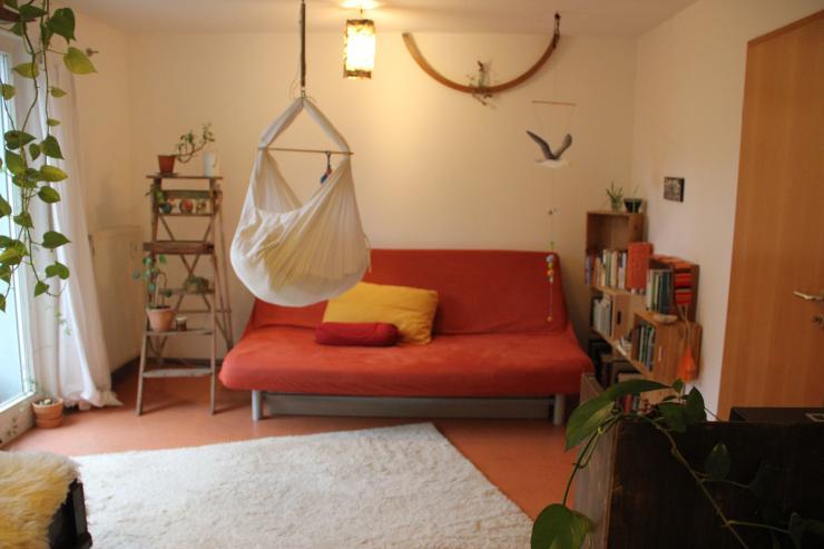 2 zimmer wohnung in sehr netter nachbarschaft mit terrasse wohnung in freiburg im breisgau. Black Bedroom Furniture Sets. Home Design Ideas