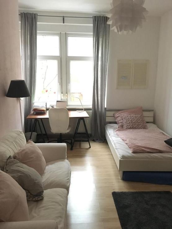 m bliertes zimmer in 2 er wg bis oder zu vermieten m bliertes zimmer. Black Bedroom Furniture Sets. Home Design Ideas