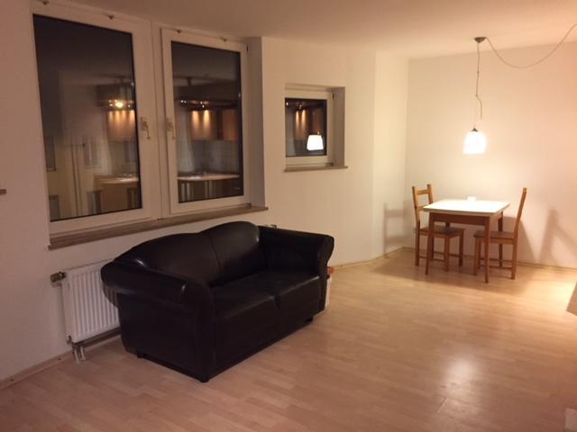 helle und renovierte 1 zimmerwohnung mit k che 1 zimmer wohnung in aachen aachen. Black Bedroom Furniture Sets. Home Design Ideas