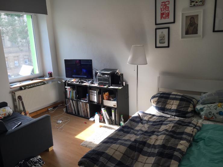 16m zimmer in entspannter 3er wg wg suche erfurt br hlervorstadt. Black Bedroom Furniture Sets. Home Design Ideas