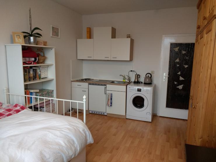 nachmieter f r gem tliche kleine wohnung gesucht 1 zimmer wohnung in halle saale. Black Bedroom Furniture Sets. Home Design Ideas