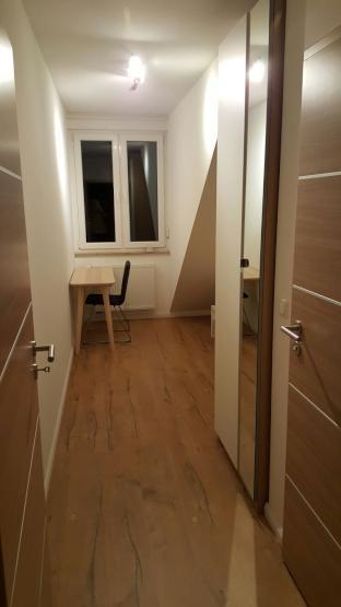 zimmer mit eigener dusche und wc an frankfurt airport personal zimmer m bliert frankfurt am. Black Bedroom Furniture Sets. Home Design Ideas