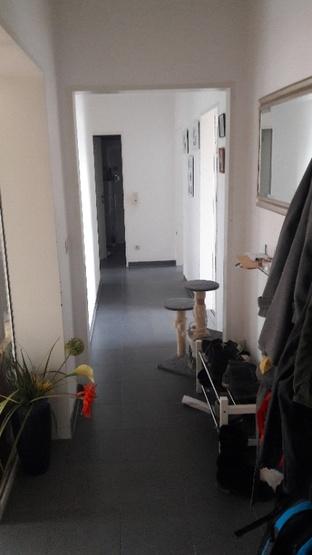 16qm zimmer zur untermiete bei einer mutter mit 10j hrigem for Wohnung dekorieren mit katzen