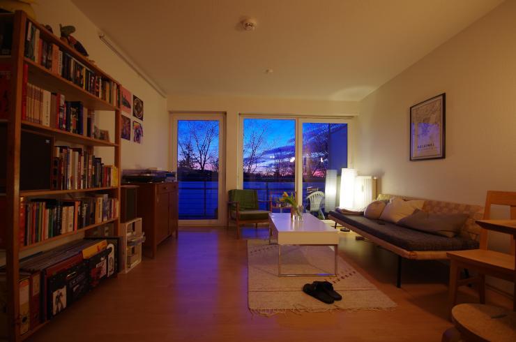 zur zwischen miete super sch ne 2 zimmer wohnung in freiburg im breisgau wohnung in freiburg. Black Bedroom Furniture Sets. Home Design Ideas
